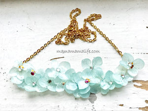レジンのお花のネックレス